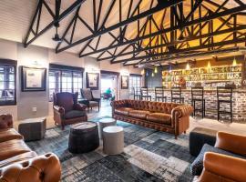Gondwana Etosha Safari Lodge, cabin in Okaukuejo