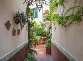Villa Elisa Holiday Home, accessible hotel in Sorrento