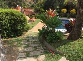 CASA RANXOXITA, hotel with pools in Itaipava