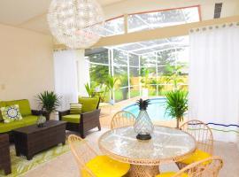 Fantastic Island House of Siesta, villa in Sarasota
