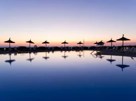 RVHotels Sea Club Menorca, hotel in Cala en Blanes