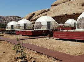Stars and moon camp, luxury tent in Wadi Rum