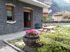 Casa di Ica, villa in Dervio