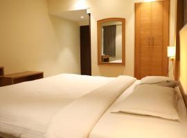 Mount Manor, hotel perto de Aeroporto Internacional de Chennai - MAA, Chennai