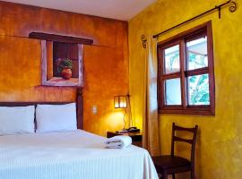 Hotel Rancho Argueta, hotel in San Luis