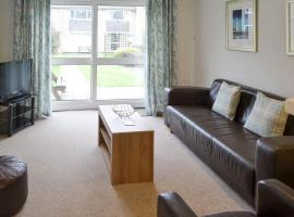 Newquay Holiday Villa, hotel with pools in Newquay