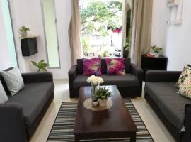 Staycation for 8pax with unifi near Cenang beach, villa in Pantai Cenang