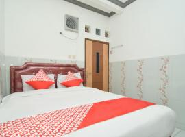 OYO 1480 Villa Dua Putri, hotel in Pasuruan