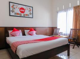 OYO 1028 Garuda Residence, hotel in Batu
