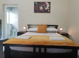 Stirling Apartments - Studio 2