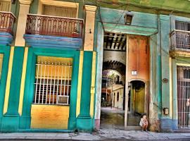 Los Balcones de Aguiar, B&B in Havana