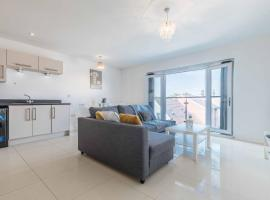 The Penthouse @ Waterside Grange, apartment in Slough