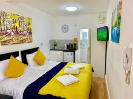 London Apartments, Close To Station, apartment in Ilford