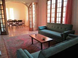 Increible apartamento en casco histórico, hotel com jacuzzi em Montevidéu