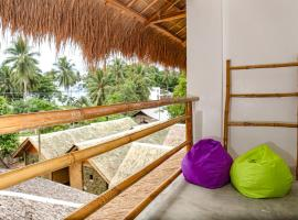 Lunazul Guesthouse, homestay in San Vicente