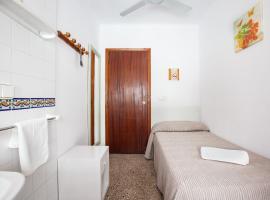 Hostal Las Nieves, hotel in Ibiza Town