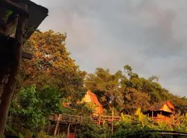 Tree Lodge Banlung, inn in Banlung
