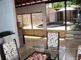 CASA COM PISCINA PARA 6, self catering accommodation in Barreirinhas