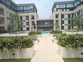Embassy Gardens Suites by Cozy, apartment in Accra
