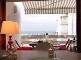 Carcavelos Beach Apartment 1, hotel in Carcavelos