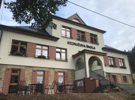 Bezručova škola, hotel poblíž významného místa Vlek Miky, Staré Hamry