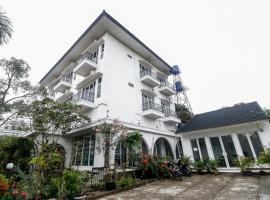 RedDoorz near Lampung Walk, guest house in Bandar Lampung