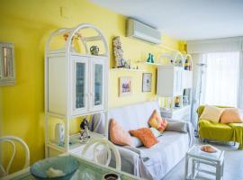 Acogedor apartamento en primera linea de playa, appartement in Salou