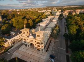 Хотел Приморски, хотел близо до Университетска Ботаническа Градина, Св. Св. Константин и Елена