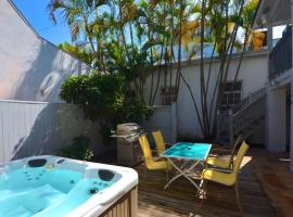 Duval Street Retreat, holiday home in Key West
