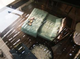 Chaca House, khách sạn có bồn jacuzzi ở Đà Nẵng