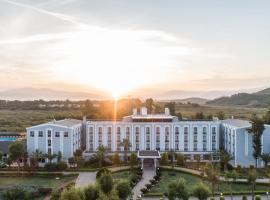 Hotel Beyt - Islamic, отель в Кушадасах