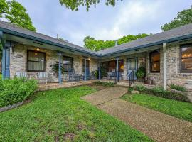 Humble House, vacation rental in Fredericksburg