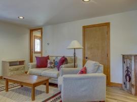 Hawk Nest Studio, holiday home in Durango