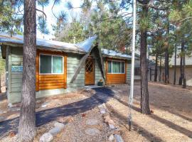 Hillcrest Retreat, villa in Big Bear Lake