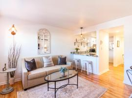 All New Historic Charmer in the Heart of Durango, holiday home in Durango