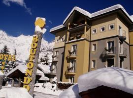 Hotel Bouton d'Or - Courmayeur, hotel near Skyway Monte Bianco, Courmayeur