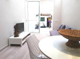 Mazi Apartments Chic, hotel in Badalona