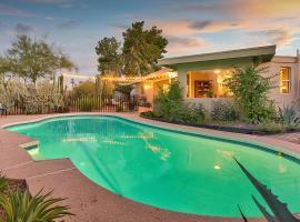 Cactus Cottage, villa in Scottsdale