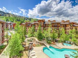 Eagle Springs East 402: Buffaloberry Suite, hotel in Solitude