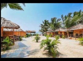 Blue Corner Beach Huts & Restaurant, hotel in Benaulim
