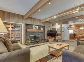 Meadow House 19 | Discover Sunriver, hotel in Sunriver