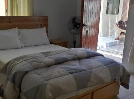 Hospedaje Racs, hotel near Flamingos Water Sources, Paracas