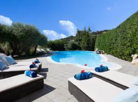 Villa Smeralda, hotel with jacuzzis in Porto Rotondo