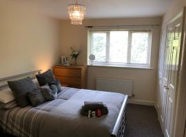 Serviced Accommodation, hotel near Stoke Town Hall, Newcastle under Lyme