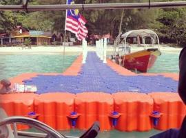 BIG ISLAND TELUK DALAM, hotel di Kampung Kuala Besut