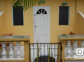 Dimples Apartments, guest house in Bon Accord