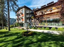Azalea Park Hotel, hotell i Cavalese