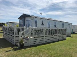 Spacious Holiday Home, holiday home in Littlestone-on-Sea