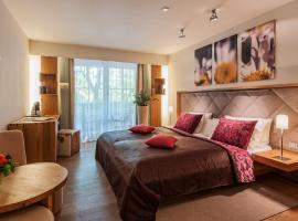 Hotel Maximilian, pet-friendly hotel in Oberammergau