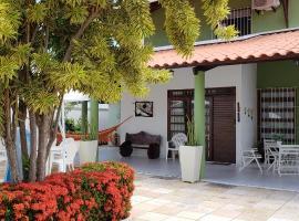 Casa, holiday home in Barra de São Miguel